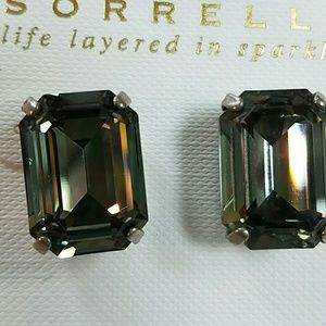NWT Sorrelli Earrings Post Emerald Cut Crystal
